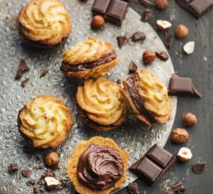 Petits sablés aux noisettes et à la ganache chocolat