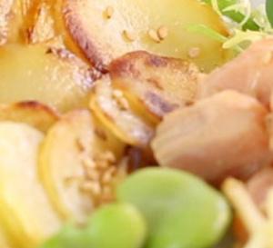 Salade bowl de pommes de terre primeur, avocat et saumon frais