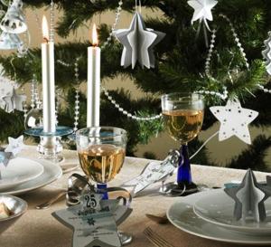 Réalisez ce décor de fête étoilé créé par Fiskars - Explications gratuites