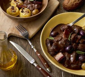 Sauté de bœuf aux olives et palets croustillants de pommes de terre