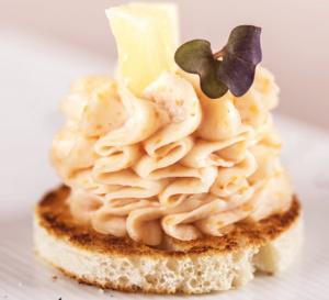 Recette facile : chantilly de tarama sur mini pain toasté
