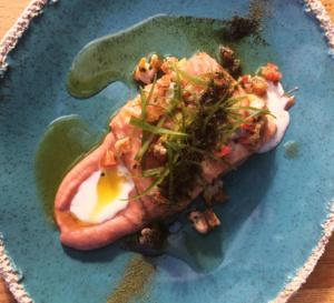 Recette du chef Julien Duboué : filet de lieu, rhubarbe, lait d'amande