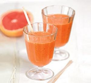 recette : jus de pamplemousse de Floride, carottes et gingembre frais
