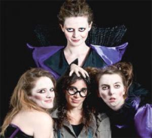 de Drôles de sorcières sévissent au théâtre du Funambule