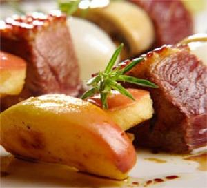 recette : brochettes de magret de canard aux pommes Antarès®