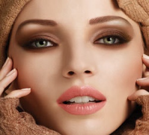 maquillage 'smoky' Make Up for Ever, step by step