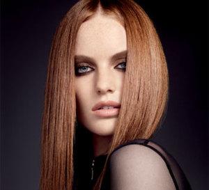 mode d'emploi coiffure : comment lisser les cheveux ?