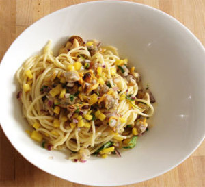 repas divin 4 : coques et moules, mangue, lait de coco sur lit de spaghetti et autres idées gastronomiques