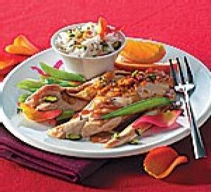 recette : chapon rôti au citron, riz aux pistaches et à l'eau de rose