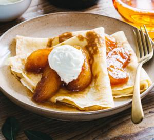 Spécial Chandeleur : recette de crêpes avec pommes caramélisées