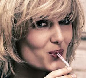 relooking coiffure de Mélanie : du volume et un blond californien