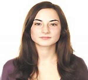 le relooking de Maud - une coupe facile pour affiner le visage