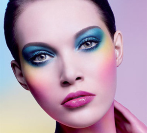 Les fards Artist Shadow de Make Up for Ever vus par Makka Elonheimo