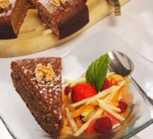 Recette des chefs Alexandre et Gilles Marre : gâteau aux noix et fruits frais