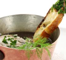 Recette du chef Eddy Zouari : petite cocotte d'oeufs pochés en Meurette