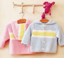 Layette pastel : manteau d'été à capuche pour bébé en deux versions