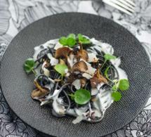 Spaghettis noirs aux champignons à la crème au parmesan